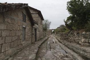 Каменные колеи в Чуфут-Кале
