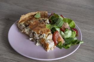 Вкусный пирог с курицей на обед