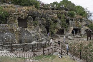 Комплекс пещер у Южного входа Чуфут-Кале