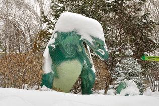 Зимний динозавр