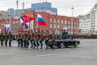 Репетиция парада Победы на площади Ленина в Новосибирске