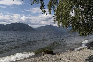 Волны Телецкого озера