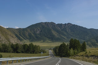 Чуйский тракт в районе села Онгудай