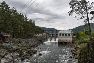 Чемальская ГЭС - гидроэлектростанция на реке Чемал