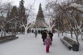 Новогодняя ёлка на площади Ленина в Новосибирске