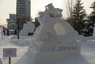 """Снежная скульптура """"Ночные ведьмы"""" из Хабаровска"""