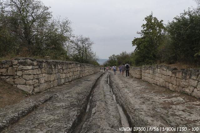 Каменная дорога в Чуфут-Кале