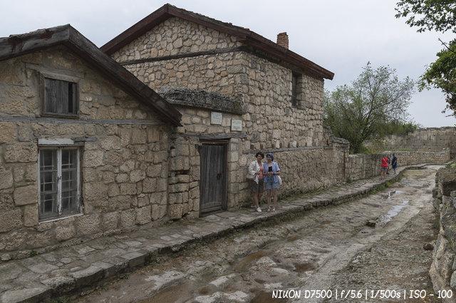 Усадьба А.С. Фирковича. Вид с главной улицы Чуфут-Кале.