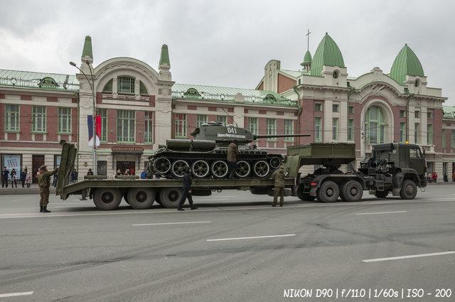 Танк Т-34 на репетиции парада Победы в Новосибирске