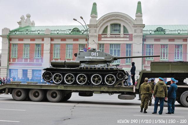 Т-34 готовится к параду