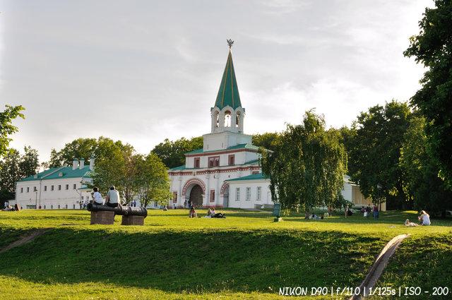 В парке-музее Коломенское