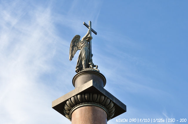 Ангел Александровской колонны