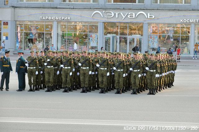 Построение курсантов на репетиции парада Победы в Новосибирске