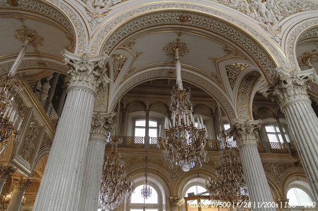В Павильонном зале Эрмитажа
