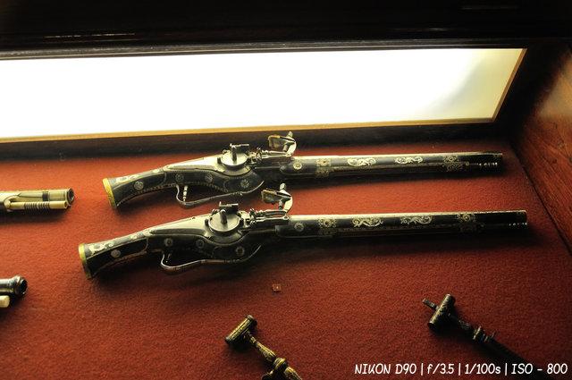 Оружие в рыцарском зале Эрмитажа