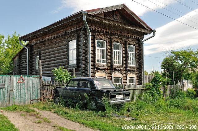 Старинные дома на улице Московской в Колывани