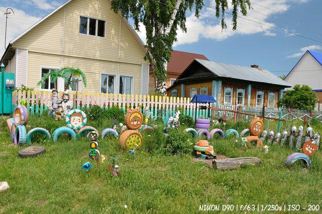 Детская площадка на улице Ольги Жилиной в Колывани