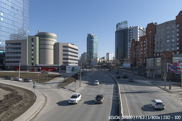 Весеннее утро на проспекте Димитрова