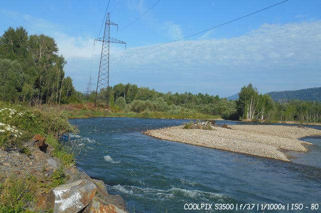 Горная река в Восточном Казахстане